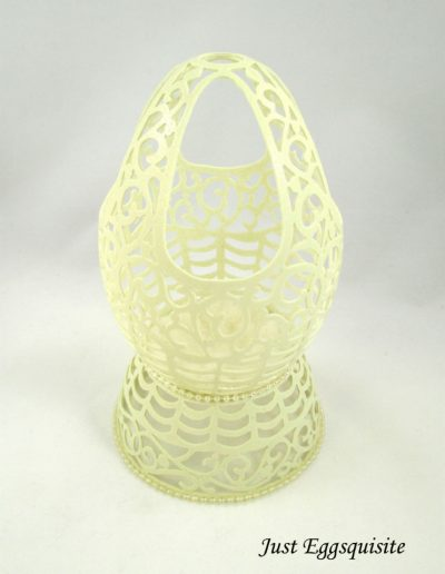 Eggshell Carving by Linda Bowers